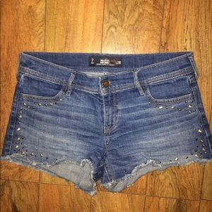 Cute Hollister midi denim shorts